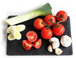 groenblog prei, tomaat en knoflook