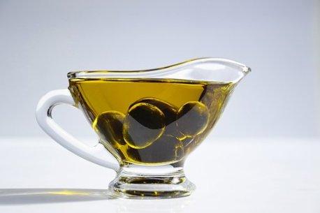 de-schoonheid-van-voeding-zoals-olijfolie