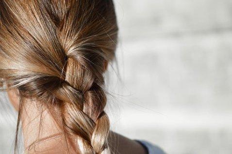 Broze haren en haar breuk