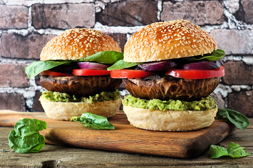 paddenstoelen-hamburger-op-een-broodje