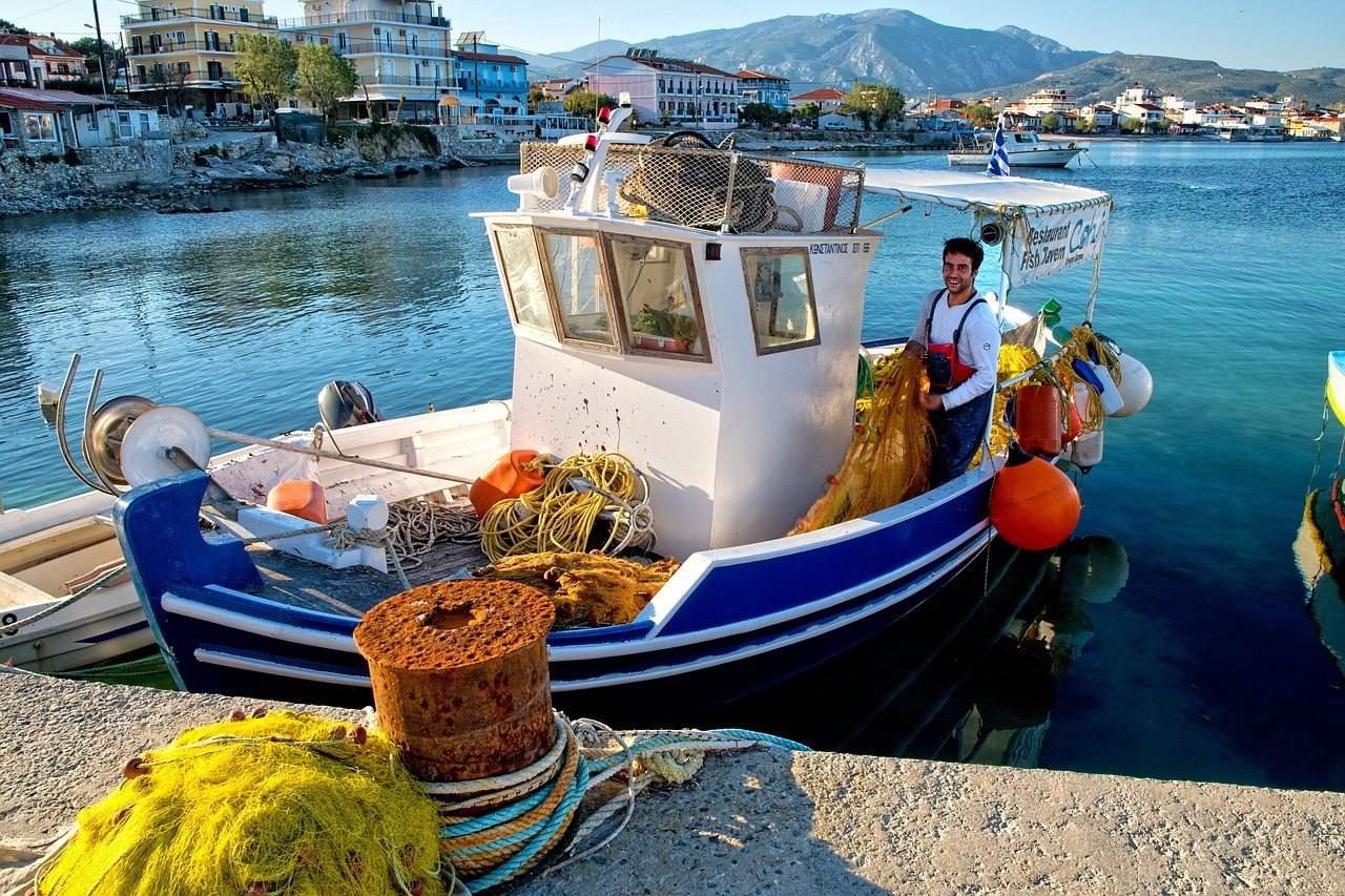 Griekse stoofblog vissersboot foto